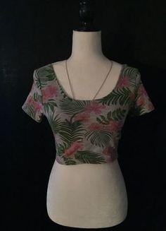 Kaufe meinen Artikel bei #Kleiderkreisel http://www.kleiderkreisel.de/damenmode/t-shirts/143327537-knappes-bauchfreies-oberteil-mit-ruckenausschnitt