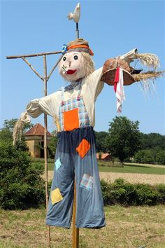 Accueil                                                                                                                                                                                 Plus Halloween, Scarecrows, Outdoor Decor, Projects, Images, Gardening, Nature, Recycling, Diy