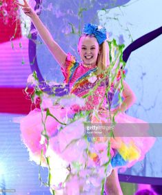 JoJo Siwa Photos - JoJo Siwa gets slimed onstage at Nickelodeon's 2018 Kids' Choice Awards at The Forum on March 2018 in Inglewood, California. - Nickelodeon's 2018 Kids' Choice Awards - Show
