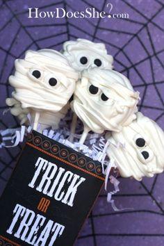 Halloween Cookie Suckers Mummies