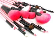 סט מברשות איפור מקצועי משיער טבעי כולל נרתיק עור איכותי, החל מ-49 ₪ לסט 7 חלקים או 99 ₪ לסט 24 חלקים Cosmetics & Perfume, Makeup Brushes, Make Up, Lipstick, Beauty, Lipsticks, Makeup, Paint Brushes, Maquiagem