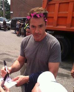 So adorable ❤️ Rober Downey Jr, Marvel Tony Stark, Tony Stank, I Robert, Sexy, Man Thing Marvel, Downey Junior, Gwyneth Paltrow, Hugh Jackman