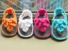 Ravelry: Crocodile Stitch Baby Sandals pattern by CrochetDreamz