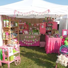 Pretty in Pink handmade soap display! This is super cute and provides a fun atmosphere for the market shoppers:) Vendor Displays, Craft Booth Displays, Vendor Booth, Market Displays, Display Ideas, Vendor Table, Store Displays, Craft Show Booths, Craft Show Ideas
