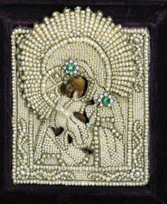 Pearl Embroidery, Tambour Embroidery, Religious Icons, Religious Art, Monastery Icons, Verge, Holy Rosary, Madonna And Child, Gold Work