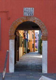 Calle delle Botte, Venice