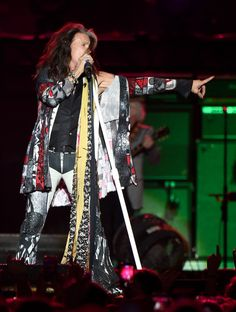 Steven Tyler Photos - Steven Tyler of Aerosmith performs at the Capital One JamFest during the NCAA March Madness Music Festival 2017 on April 2, 2017 in Phoenix, Arizona. - NCAA March Madness Music Festival 2017 - Day 3