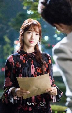 #Doctors #ParkShinHye #KimRaeWon Doctors Korean Drama, Kim Rae Won, Girl Doctor, Hallyu Star, Park Shin Hye, Korean Star, Korean Outfits, Trendy Outfits, Korean Actresses