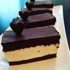 Mega čokoládový nízko sacharidový zákusok - recept Low Carb Recipes, Snack Recipes, Dessert Recipes, Sweet Desserts, Sweet Recipes, Keto Cake, Food Humor, Healthy Sweets, Sweet And Salty