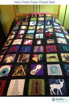 This is a guide about Harry Potter paper pieced quilt. Make an exciting Harry Potter quilt including many of your favorite characters or objects such as the Sorting Hat, using the paper piecing technique. Harry Potter Quilt, Harry Potter Fabric, Harry Potter Items, Harry Potter Room, Paper Piecing Patterns, Quilt Block Patterns, Quilt Blocks, Hogwarts, Harry Potter Party Supplies