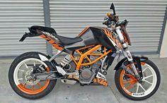 Malaysian Duke 200 Ktm Motorcycles, Triumph Bikes, Ktm Duke 200, Ktm Rc, Dirtbikes, Custom Bikes, Cool Bikes, Motorbikes, Body Painting