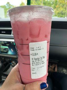 Secret Starbucks Recipes, Starbucks Secret Menu Drinks, Healthy Starbucks, Starbucks Frappuccino, Starbucks Coffee, Smoothie Drinks, Smoothie Recipes, Smoothies, Yummy Drinks