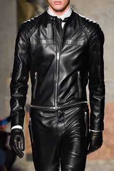 Les Hommes Fall Winter 2016 17 Menswear Collection Milan Fashion Week Mens  Leather Pants 0177b57fa52