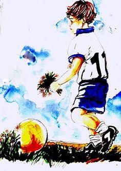 """""""Un campo da calci"""". Quando entrai nel campo sportivo così piatto e liscio d'erba rasata, forse appena troppo alta ai margini, ma rada e quasi inesistente nelle zone più calpestate, mi parve subito troppo grande per me, per quei miei piedi piccoli, serrati nelle scarpe troppo nuove, da calcio, appena comperate per l'occasione, soltanto un numero più grandi in considerazione della mia crescita veloce. Gli altri ragazzi correvano... (di bruno Magnolfi - illustrazione di Giulia Tesoro)."""
