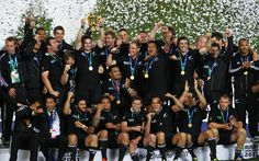 2011 Rugby World Cup Winners - The All Blacks Rugby Team from New Zealand. Final played in Auckland, New Zealand. All Blacks Rugby Team, Nz All Blacks, 2015 Rugby World Cup, World Cup Winners, Rugby Players, Back To Black, Black Men, New Zealand, Sports