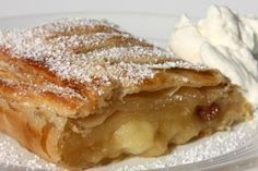 Wiener Apfelstrudel (Viennese Apple Strudel) (A baker's tour, Austria) uses lemon zest, currants. Delicious Desserts, Dessert Recipes, Yummy Food, Unique Recipes, Sweet Recipes, Easy Recipes, Microwave Recipes, Cooking Recipes, Hungarian Desserts