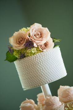 Mini pearl cake & cupcakes