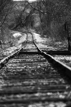 black and white photography Railroad Black And White City, Black And White Aesthetic, Black And White Pictures, White Art, Black And White Landscape, Photography Essentials, City Photography, Railroad Photography, Photography Ideas