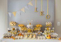 Quer saber como fazer um chá de bebê simples e charmoso? Inspire-se nos convites, decorações, bolos de fraldas, doces e lembrancinhas!