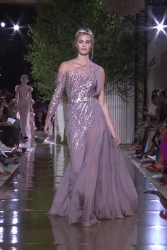 Zuhair Murad Look 35 Gorgeous Embroidered Lilac Asymmetric One Shoulder Slit Sheath Evening Maxi Dress / Evening Gown with One Long Sleeve and a Train. Runway Show by Zuhair Murad Haute Couture Dresses, Couture Fashion, Runway Fashion, Ball Dresses, Winter 2017, Fall Winter, Beautiful Gowns, Look Fashion, Elegant Dresses