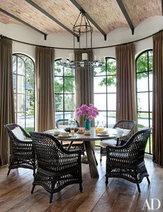 27 Breakfast Nook Ideas For Your Kitchen Photos | Architectural Digest