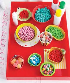 I'm excited to put some of these ideas to use at our 2nd annual cookie decorating party:)