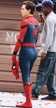 That booty thooooooo , actor Tom Holland as spiderman que bunda meus amigos, que bunda he's hoooot Baby Toms, Tom Holland Peter Parker, Moda Do Momento, Tommy Boy, Men's Toms, Spideypool, Hommes Sexy, Cute Guys, Sexy Men