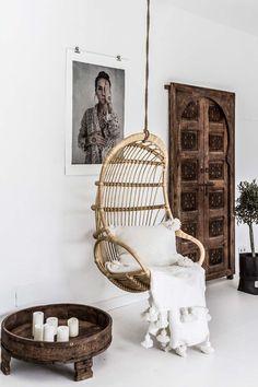 Ethnic Design With Scandinavian Simplicity - Decoration For Home Scandinavian Interior, Scandinavian Style, Ethnic Home Decor, Style Ethnique, Ethnic Design, Piece A Vivre, Swinging Chair, Wood Doors, Slab Doors