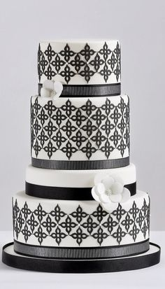 ☆ Wedding cake ☆ modern black and white