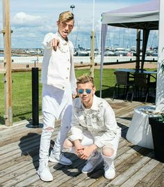 Today is a beautiful day♡ mac&tinus Celebrity Singers, Mac, I Go Crazy, Cute Twins, Love U Forever, Funny Moments, My Boyfriend, Beautiful Day, Fangirl