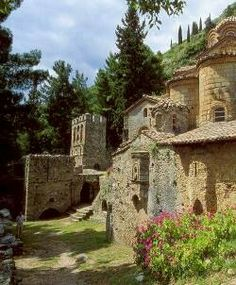 The Castle City on Mystras, Peloponnese Monuments, Beautiful Buildings, Beautiful Places, Places To Travel, Places To See, Corinth Canal, Myconos, Places In Greece, Greek Islands