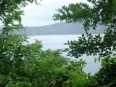 Laguna de Apoyo and Masaya Volcano are both easy to reach from Granada, Nicaragua and can easily be combined into an afternoon tour.