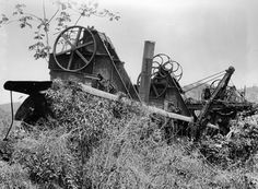 Abandoned French Machinery, Panama Canal, circa 1910 - 1914 ___(Detroit Publishing Co. Photograph Collection/Courtesy Library of Congress) Gatun Lake, Black And White Building, Panama Canal, Sea Photo, Easter Island, New City, Pacific Ocean, Central America, Wonders Of The World