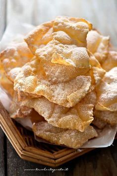 Frappe che ai Savigliano in bocca Italian Cookies, Italian Desserts, Italian Dishes, Italian Recipes, Sweets Recipes, Cookie Recipes, Snack Recipes, Snacks, Comida Siciliana