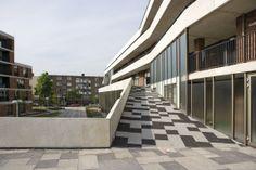 Hart Staalmanplein Arkitekt: ONIX Plats: Amsterdam  Bostäder, Skola, Moské, Parkering http://openbuildings.com/buildings/hart-staalmanplein-profile-5328