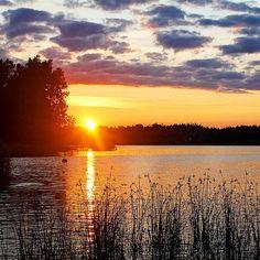 Here's my favorite beach in the world in the archipelago of Sipoo Gulf of Finland. What's your favorite? #newpost on #blog!  #travelblog #uusipostaus #blogissa #matkablogi #matkabloggaaja #travelblogger #kotimaassa #kotimaa #suomiretki #kotimaanmatkailu #sipoo #sipoonsaaristo #archipelago #saaristo #sunset #auringonlasku #travel #matka #reissu #nordicnomads (via Instagram)