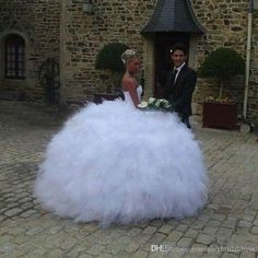 Amazing Wedding Ball Gowns Black Girl Sweetheart Stunning Ruffles Elegant Bridal Ball Gown Wedding Luxury African Fashion Gelinlik Wedding Dress 2017 Crystal Ball Gown Bling Wedding Dresses Online with $257.15/Piece on Rosemarybridaldress's Store | DHgate.com