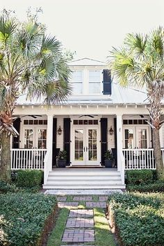 cottage bungalow with french doors Style At Home, Exterior Design, Interior And Exterior, Exterior Shutters, Exterior Paint, Condo Interior, Beach House Tour, Beach Condo, Beach Cottage Style