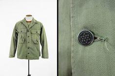 Vintage WWII HBT camicia U.S. Army 13 stelle 1940s militare Utility fatiche - taglia media
