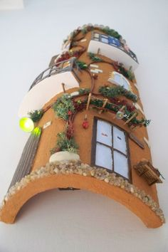 tegole decorate - Cerca con Google Decoupage, Gingerbread, Biscuits, Fairy Tales, Projects To Try, Miniatures, Homemade, Crafty, Christmas Ornaments