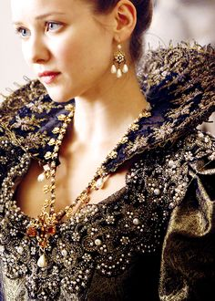 Queen Anne - Musketeers. Beautiful gown beautiful lady