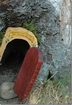 A great step-by-step instructional on making a fairy door for the garden.