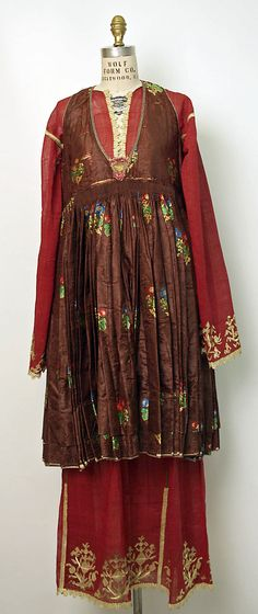 Ensemble  Date:19th–early 20th centuryCulture:GreekMedium:silk, cotton, gold metallic