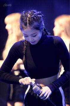 Kim Jennie, Jenny Kim, Yg Entertainment, K Pop, South Korean Girls, Korean Girl Groups, Adidas, Rapper, Pre Debut
