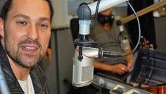 David Garrett signiert sein neues Album im NDR 1 Niedersachsen Studio.