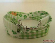 Wickelarmband aus Stoff in Grüntönen