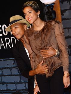 Pharrell avec Helen Lasichanh aux MTV Video Music Awards 2013 en août 2013 à New York.
