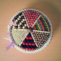 Resultado de imagen para tortas decoradas con golosinas Candy Cakes, Cupcake Cakes, Birthday Cake, Birthday Parties, Cake Business, Ideas Para Fiestas, Cake Shop, Cute Cakes, Chocolate Cake