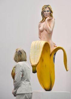 Chiquita  pop-sculpture by Mel Ramos