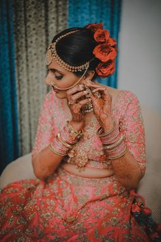 Without some creative bridal portraits, the photography session of the wedding cannot be complete. Here are the Most beautiful and unique bridal portraits ideas for weddings. #shaadisaga #indianwedding #bridalportraits #bridalportraitsindian #bridalportraitsindianbrideposes #bridalportraitsindianbridephotoshoot #bridalportraitsindianindoor #bridalportraitsindianunique #bridalportraitsindianposes #bridalportraitsindiansaree #bridalportraitsindianoutdoor #bridalportraitsindianwedding #bridephotos Wedding Scene, Bride Getting Ready, Bridal Portraits, Indian Sarees, Luxury Wedding, Beautiful Outfits, Affair, Captain Hat, Most Beautiful